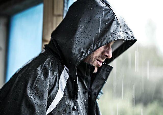 Regenkleidung hält den ganzen Tag warm und trocken