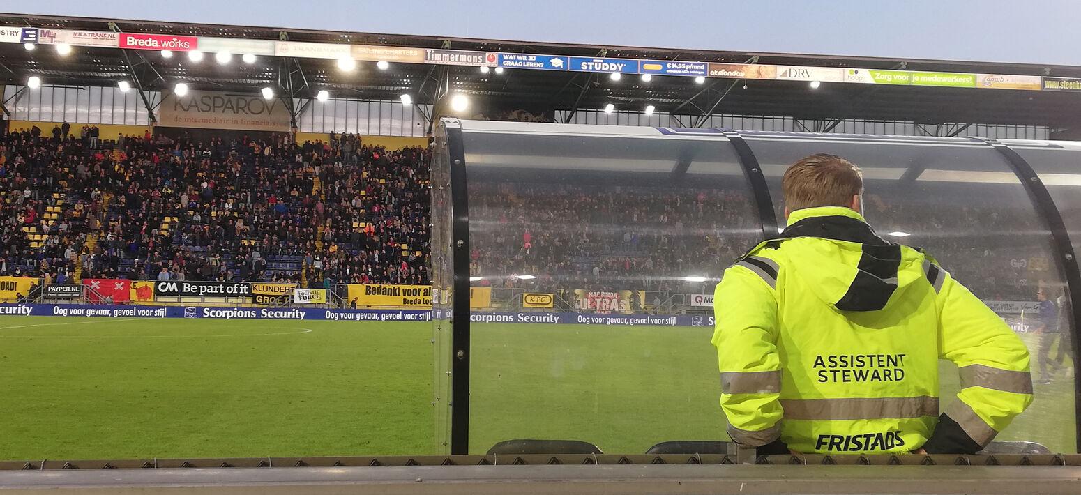 Steward in het NAC stadion