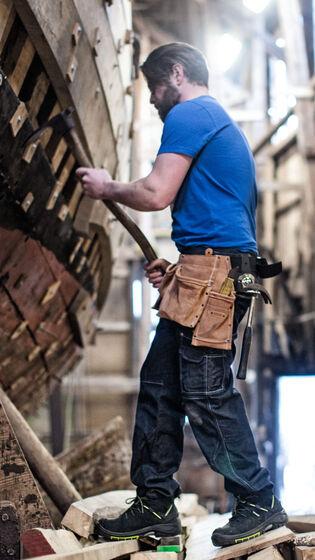 Vakman aan het werk in Fristads werkkleding