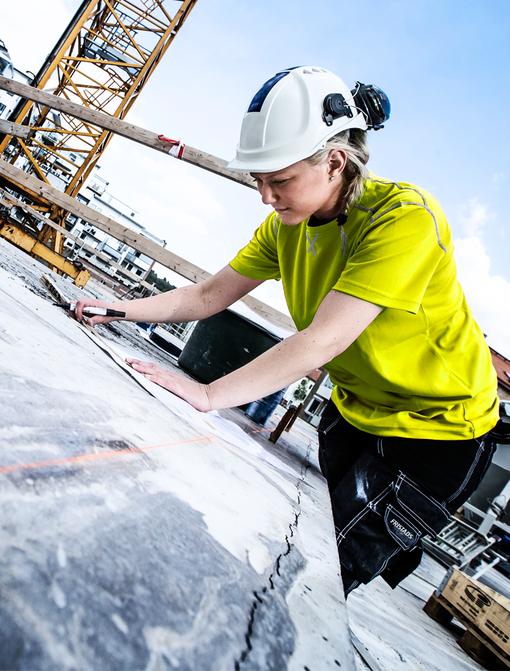 Vrouw op de bouw