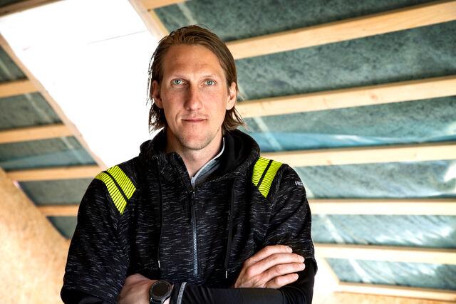 Timmerman en handballer Anders in Fristads werkkleding